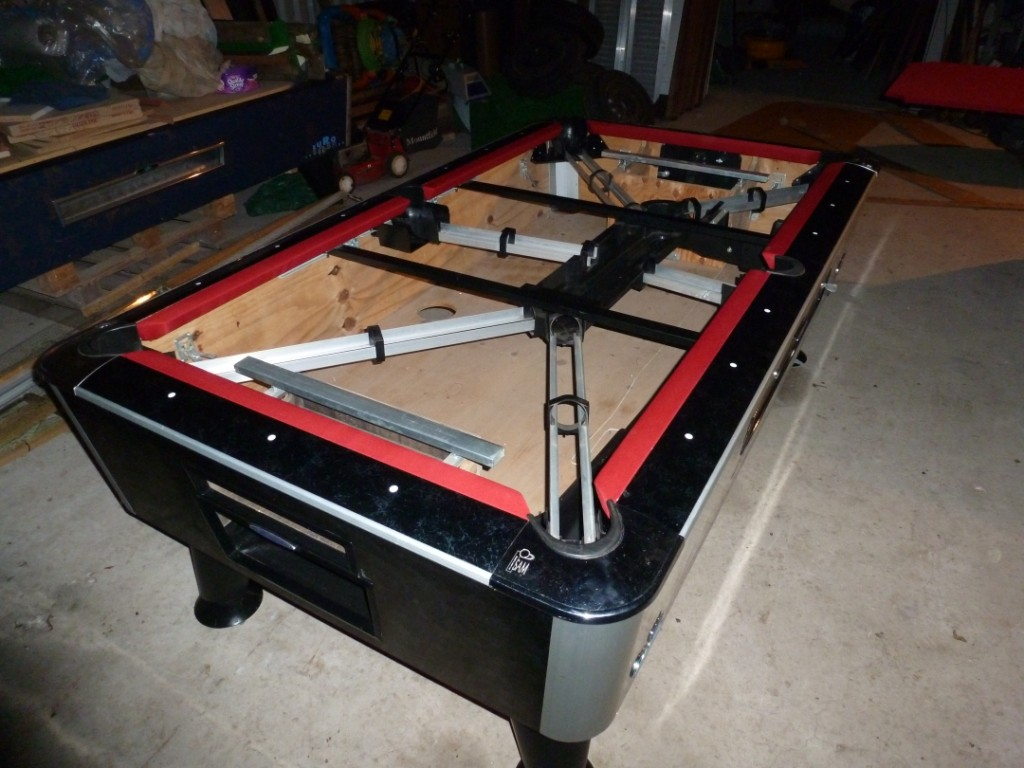 SPECIAL NEW YEAR OFFER Pool Table Recovering In Nottingham Derby - Inside a pool table