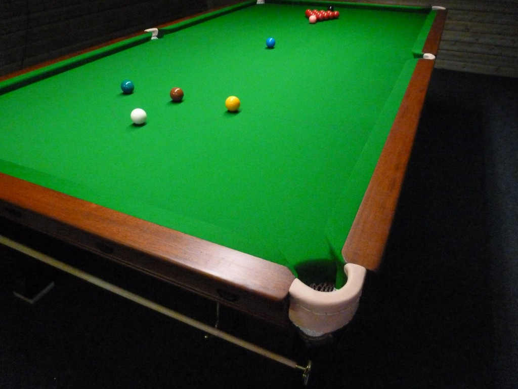 10ft karnehm and hillman snooker table from scotland to for 10 foot pool table