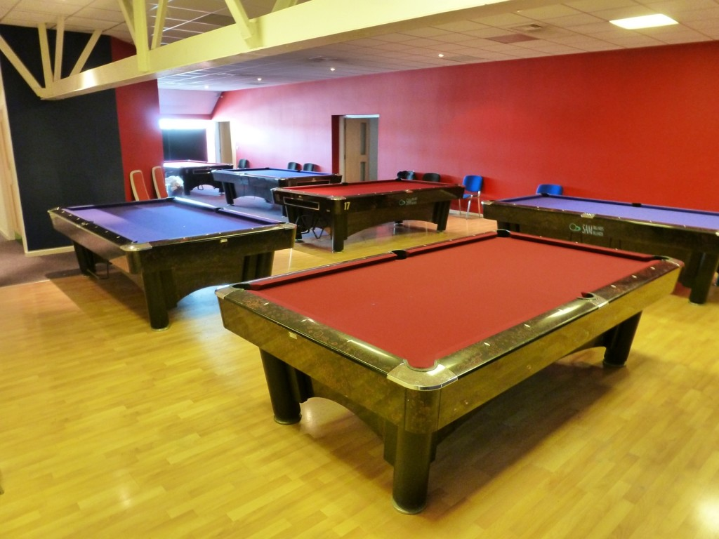 genesis finished all 6 from bottom end & Sam K steel American pool tables 4 more tables set up in Derbyshire ...