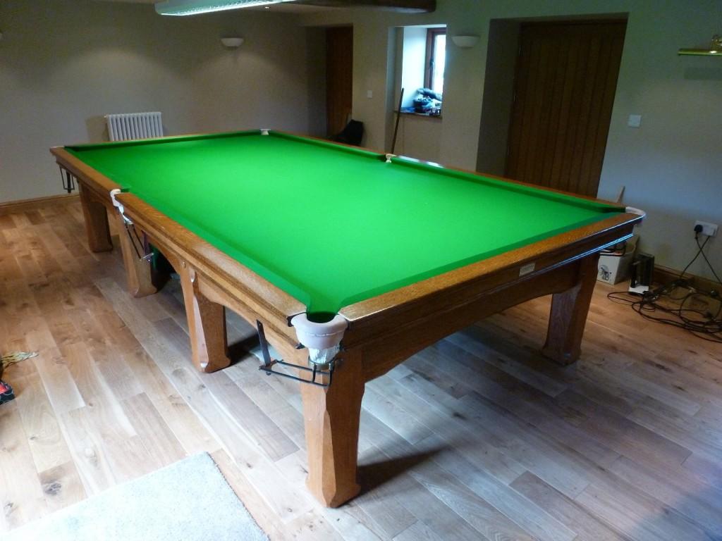 Oak Skeg Finished Table 1