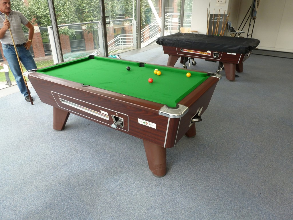 Two Ft By Ft Pool Table Strachan Cloth Recovers In Nottingham - How to install pool table felt