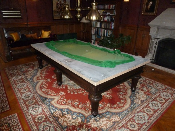 Carom with cloth off