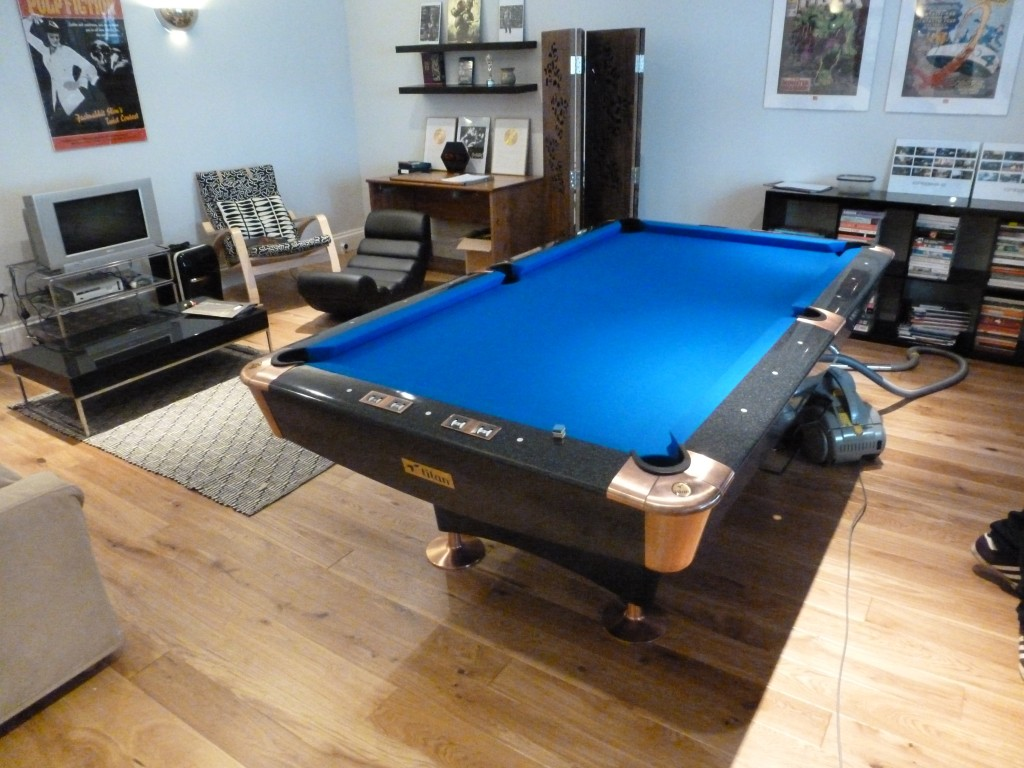 Derby road titan blue finished & American Titan 8ft pool table a few problems but we set it up ...