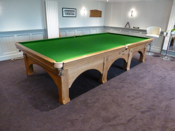 viceroy finished table light oak