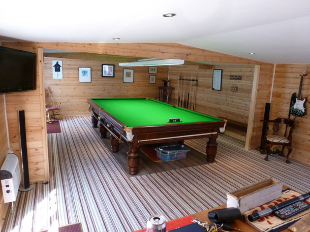 linc log cabin table