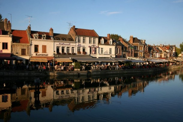 Amiens riverside cafe's
