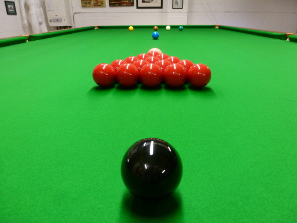 Clitheroe balls on table shot from end cush