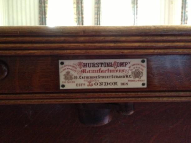 thurston-oak-table-plate-610x457