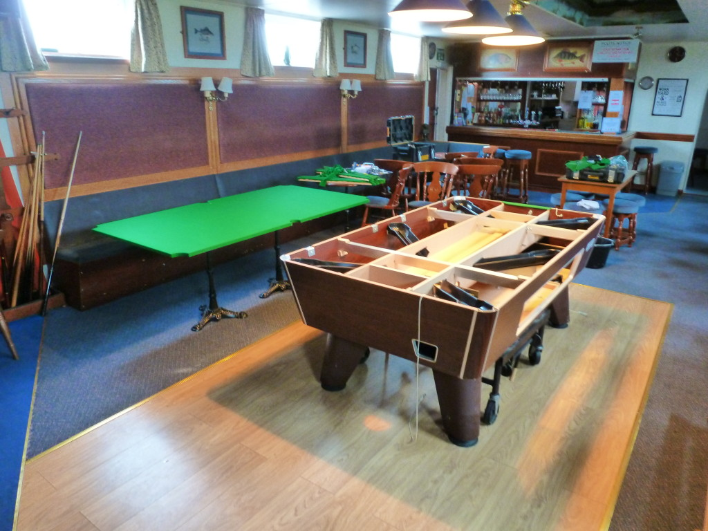 Recover Pool Table Near Spalding Lincolnshire At Fishing Lakeside - How do you take apart a pool table