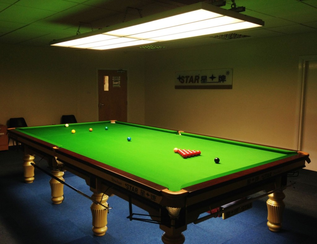 Superbe Star Snooker Academy Table