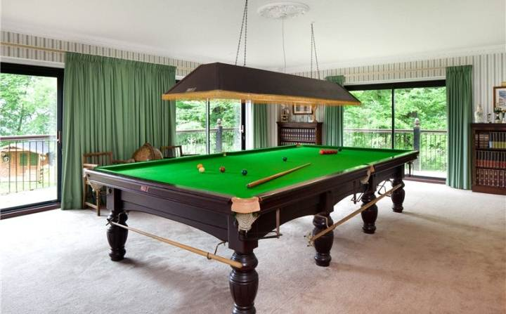 Full Size Snooker Table Dismantle Transport And Assemble In Rugby - How to disassemble a pool table