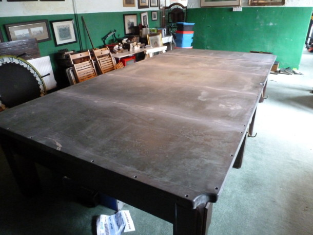 Beatrice b7w table slates on frame
