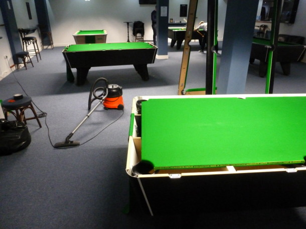 cue ball derby vac out tables
