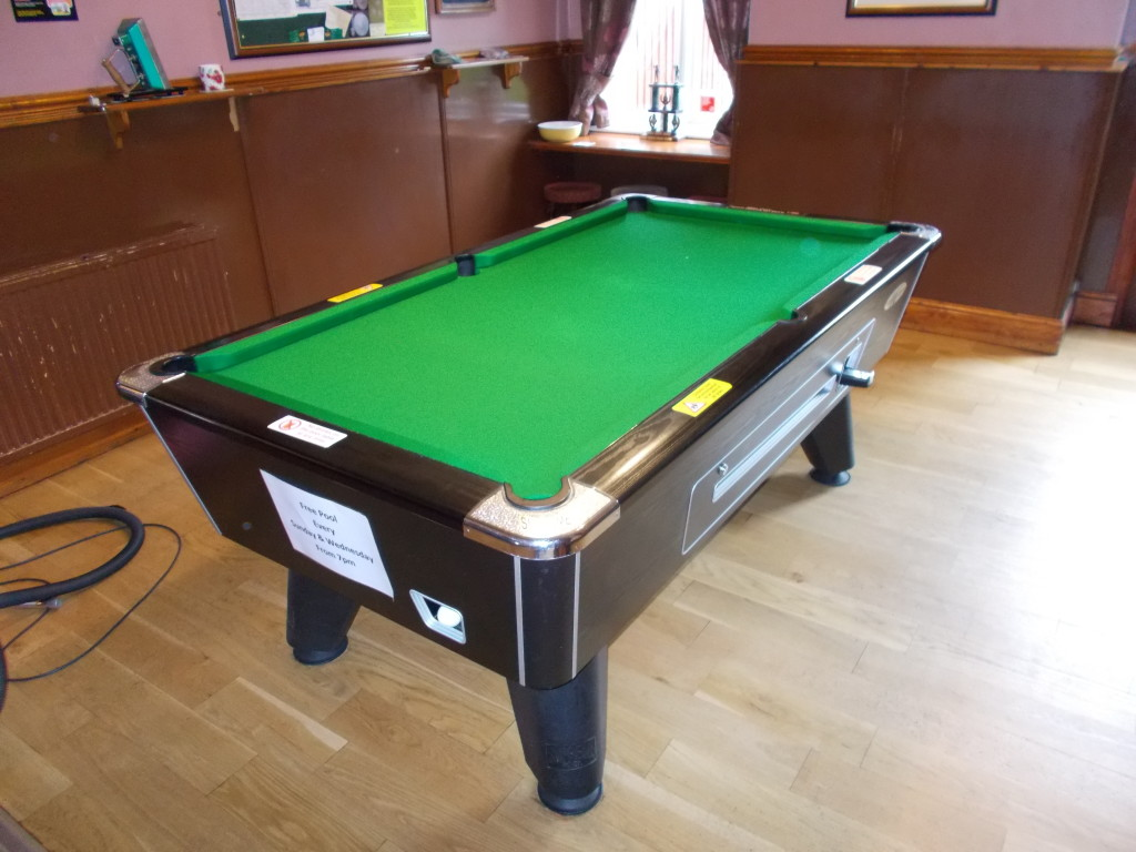Long Eaton Derbyshire Local Pub Pool Table Recover In - How long is a pool table
