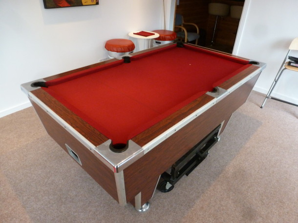 pool table 6ft superleague finsihed in red burgundy