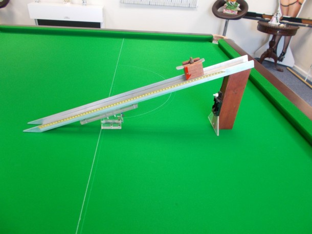 Ball ramp cushbion and cloth speed tester