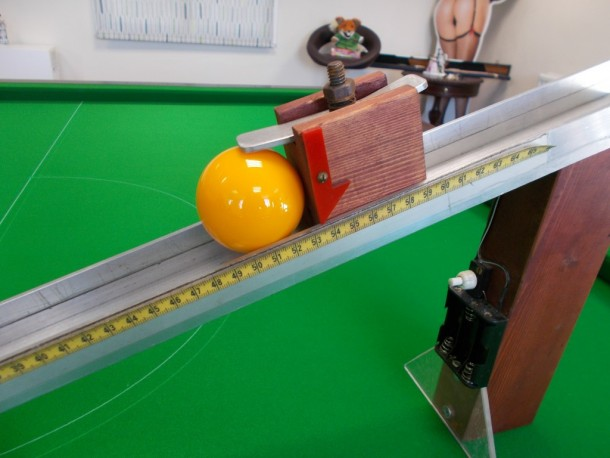 Ball ramp cushion and cloth speed tester with ball