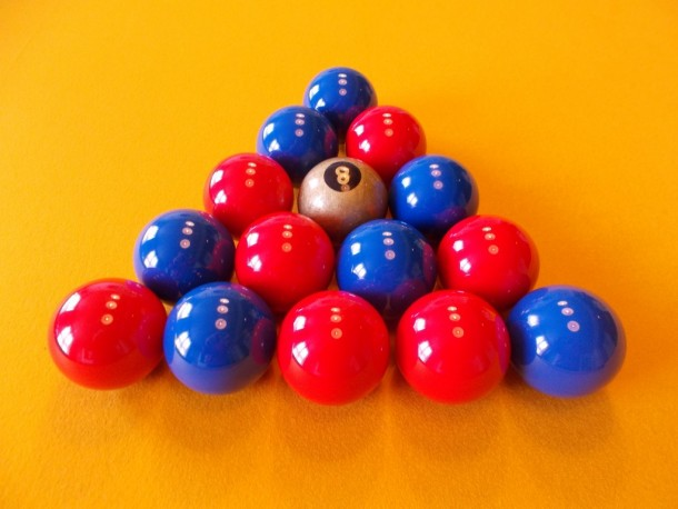 King billy pool balls golden 8 ball blue reds