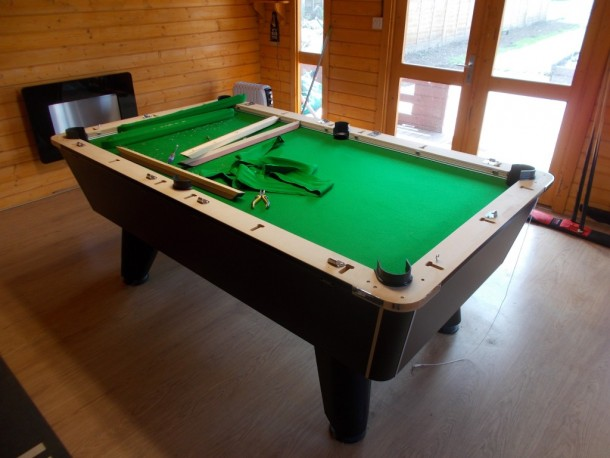 jezza winner table log cabin strip down