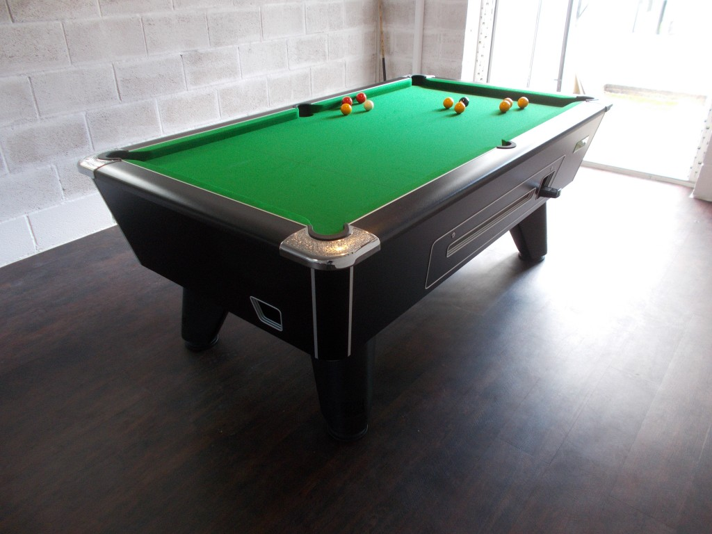 ... Pool Table 7×4 Foot In Black Pearl Finish. DSCN1201