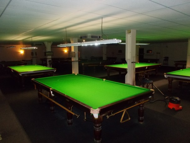 cueball-overhead-shot-table-9