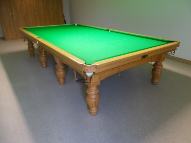 steve-butler-finished-table