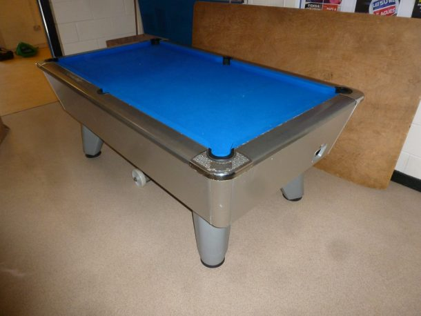 Snooker table dismantle and transport relocation use gcl billiards it is a second hand pool table and has the usual knocks and scrapes associated with on site use in a pub site watchthetrailerfo
