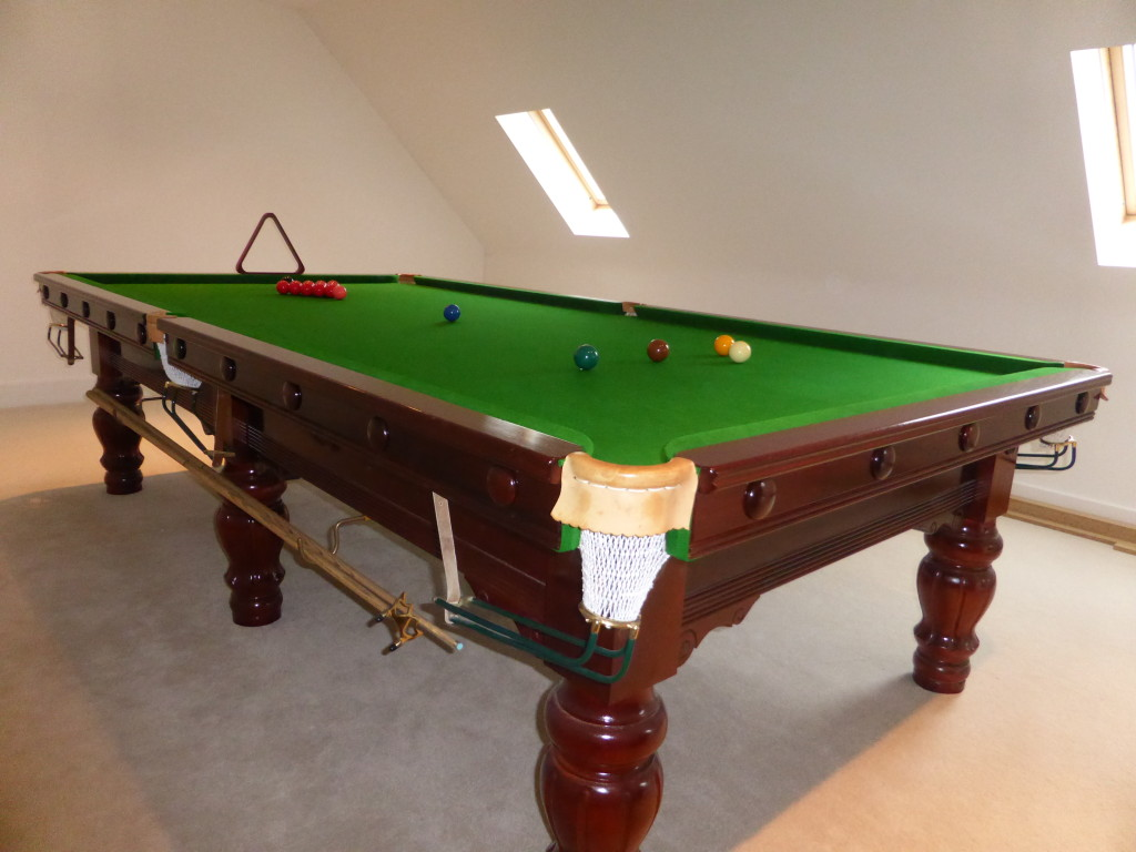 Wanted Reasonably Priced 9ft Or 10ft Snooker Table Must Be In Excellent Condition