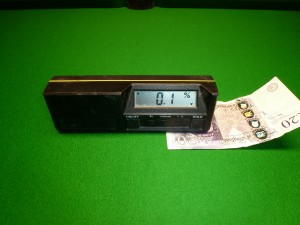 digital level 0.1 £20