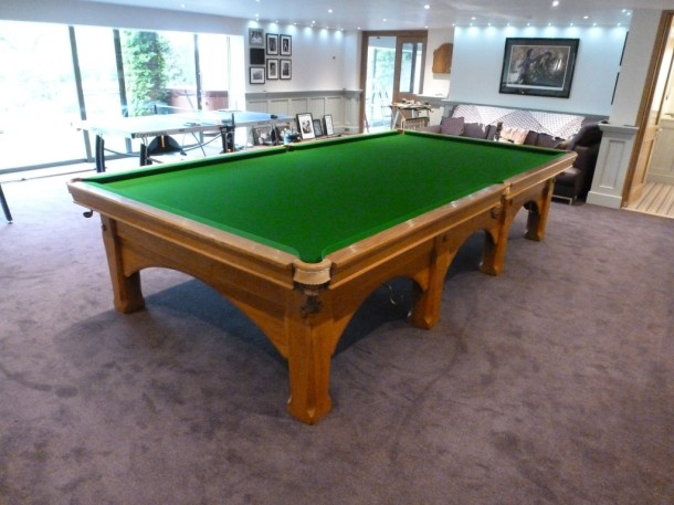 viceroy finished table from black end