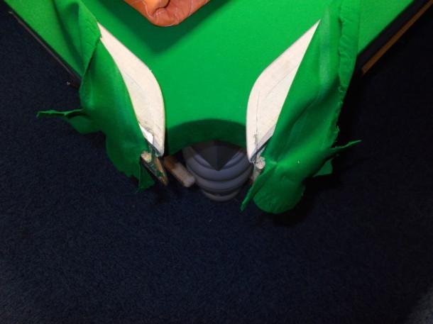 Derby open pocktes up cloth pealed back