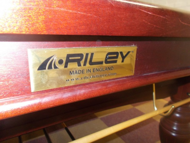 aristocrat-chilwell-end-riley-plate-on-cushions