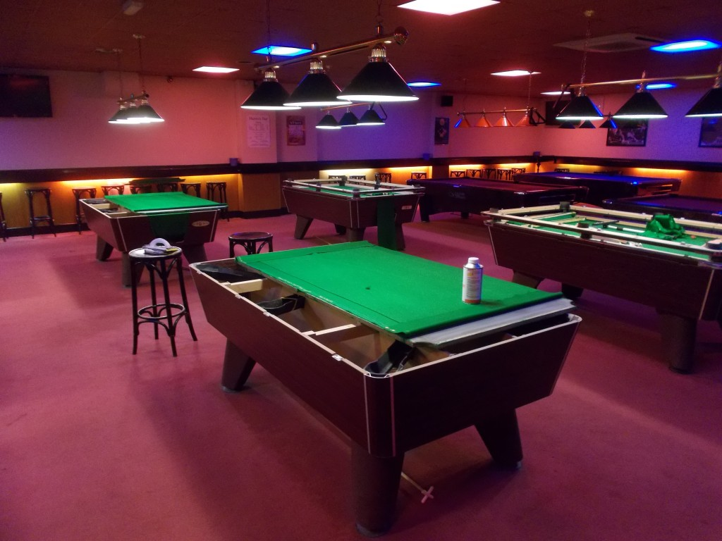 Hunters Bar Grantham 7 Supreme Winner Pool Tables Re Covered In Strachan  6811 Tournament Cloth And One In Speed Cloth . | GCL Billiards