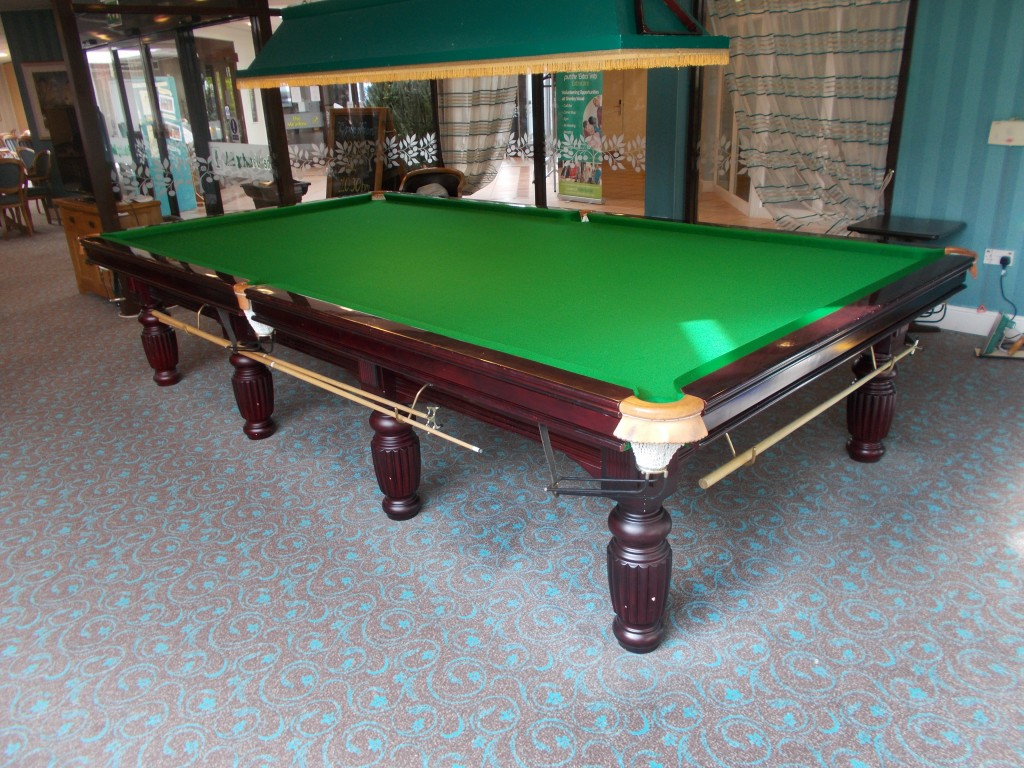 Re cover in milton keynes of full size snooker table in for 10 snooker table